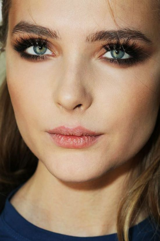smudgy_eyes_makeup_trend_about_lifestyle (15)